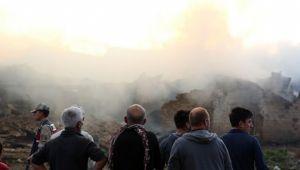 Bayburt'ta 7 ev ile 2 ahır yanarak kül oldu